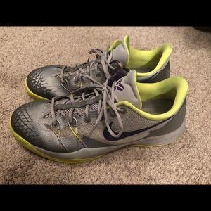 Nike Kobe Venomenon 4 Basketball Shoes Sz 13